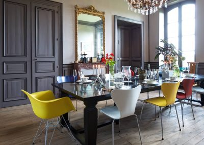 bed & breakfast chateau saint etienne - diningroom