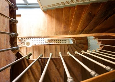 bed & breakfast chateau saint etienne - stairs